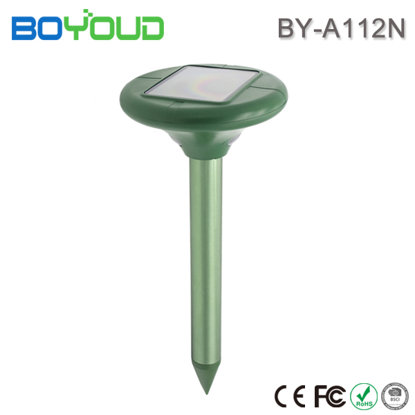 Harmless solar ultrasonic pest control repeller