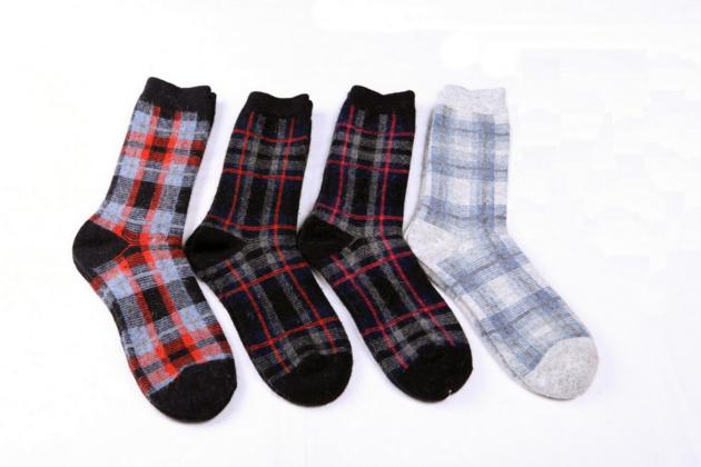 Women's super warm winter wool and cashmere blend crew socks
