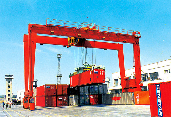 Double beam box type two trolley gantry crane
