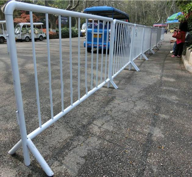 Cheap Galvanized Portable Crowd Control Barrier