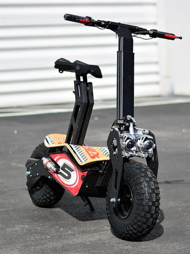 "VELOCIFERO MAD 1600w 48v Electric Scooter 6"" Wheels W/Oversize Tires (Nascar #5)"