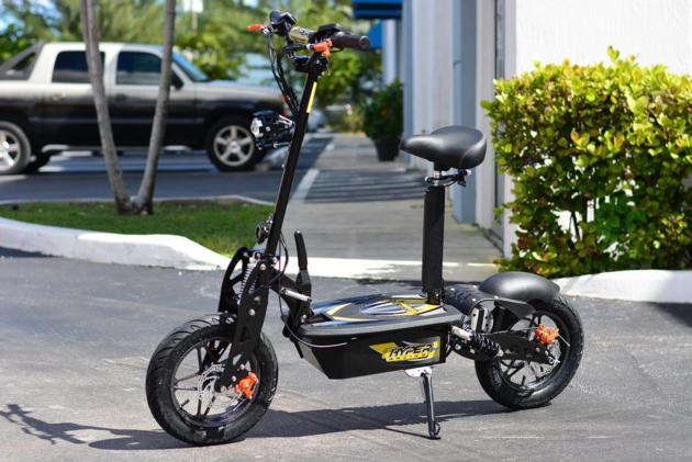 "HYPER-RACING STREET EDITION 1600w 48v Electric Scooter 10"" Wheels (Black)"
