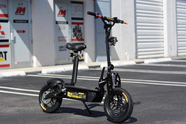 "LITHIUM HYPER-RACING 1800 WATT EDITION 48v Electric Scooter 10"" (Black)"