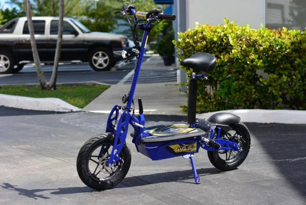 "LITHIUM HYPER-RACING 2000 WATT EDITION 60v Electric Scooter 10"" (Blue)"
