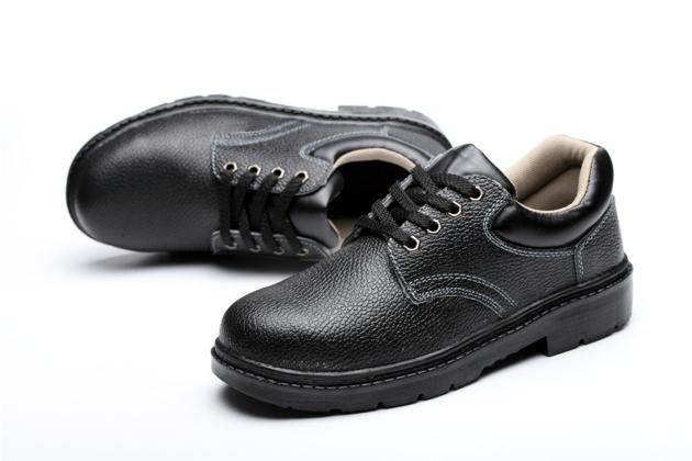 Oil resistant black leather low electrical insulation safety shoes