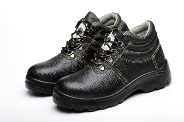 Black leather high anti-static anti piercing steel head safety shoes
